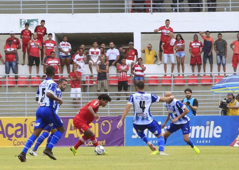 William Barbio foi um dos mais insinuantes do CRB — Foto: Ailton Cruz/Gazeta de Alagoas