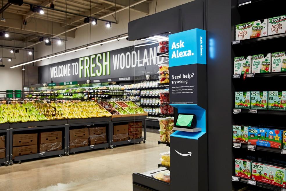 Supermercado da Amazon permite que clientes saiam da loja sem passar nos caixas. — Foto: Reuters