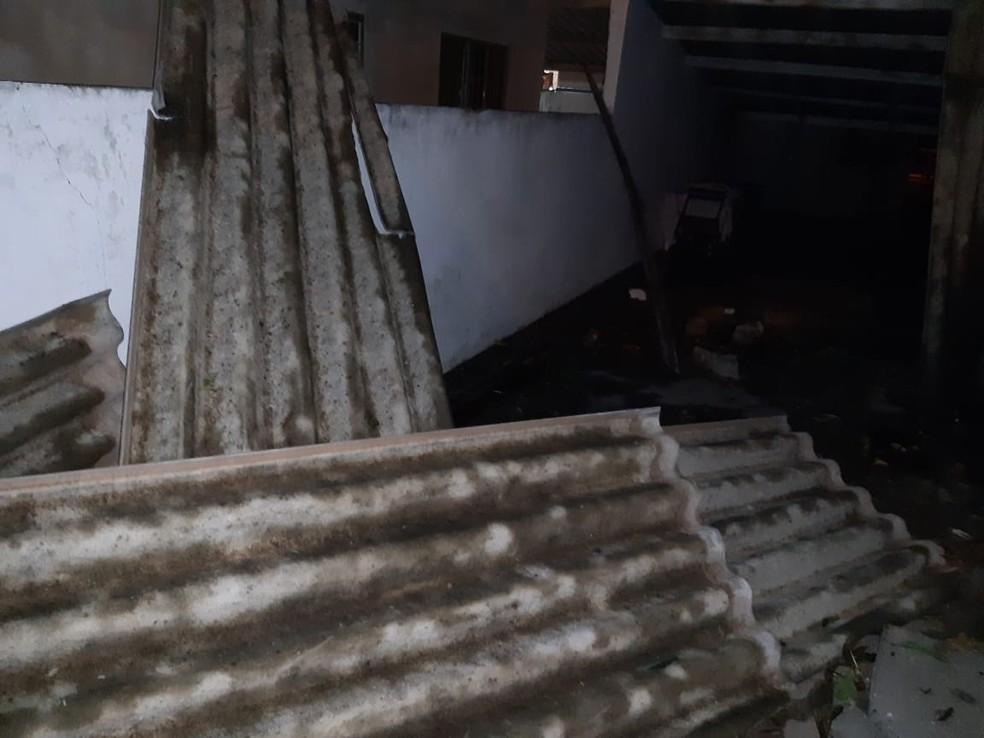 Forte temporal causou estragos em Martinópolis — Foto: Defesa Civil