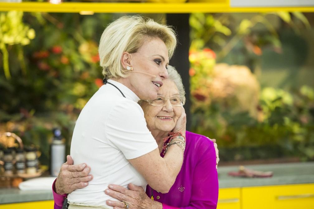 Ana Maria Braga recebe Palmirinha no 'Mais Você' — Foto: João Cotta/Globo