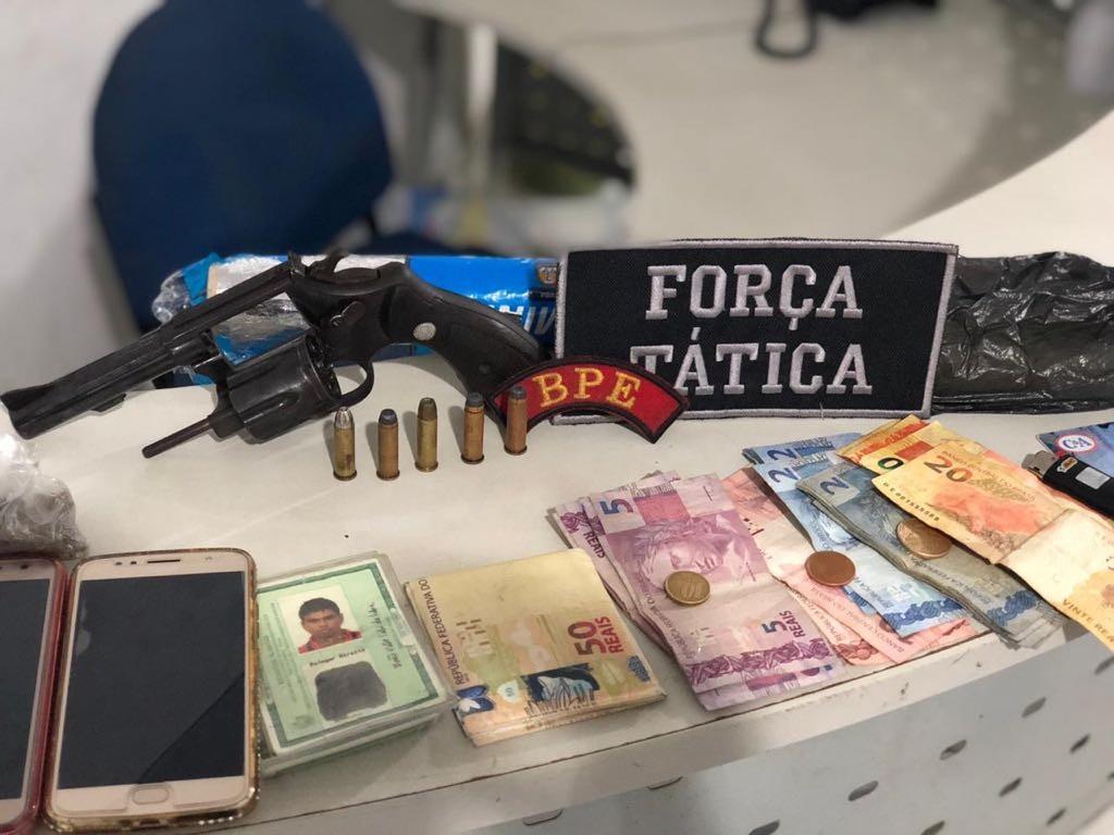 PM prende quatro pessoas suspeitas de tráfico no bairro do São Jorge, em Maceió