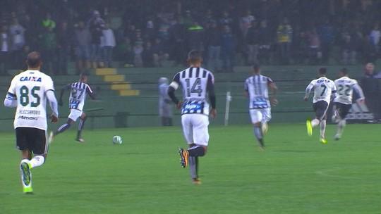 Nilmar entra no segundo tempo e tem estreia discreta pelo Santos