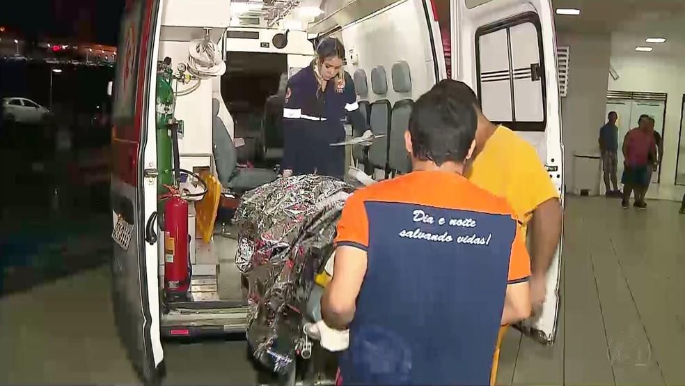 Cesariano Vicente foi socorrido e levado para o Hospital de Trauma de João Pessoa (Foto: Reprodução/TV Cabo Branco)