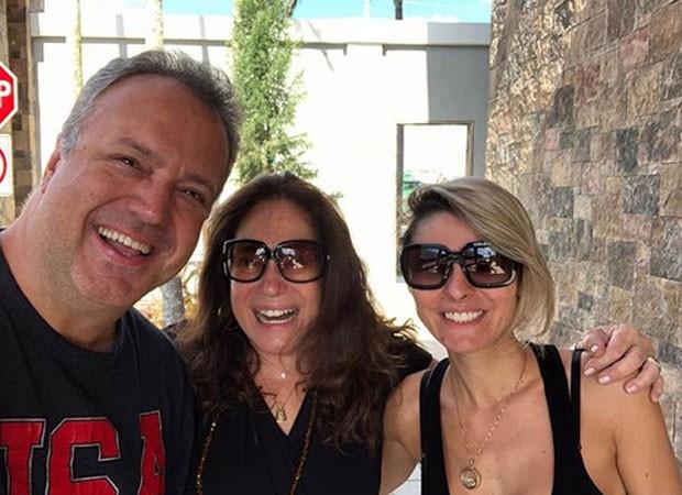 Susana Vieira com o filho e a nora (Foto: Reprodução)