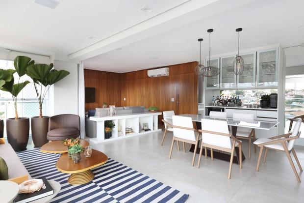 Apartamento cheio de luz e personalidade para um casal com filho (Foto: Mariana Orsi)