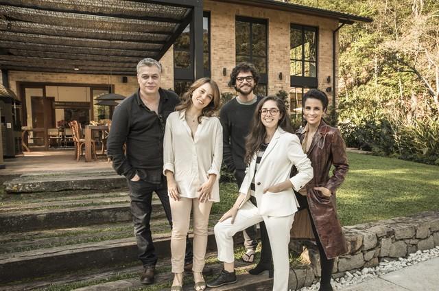 Fabio Assunção, Sara Antunes, Emilio Dantas, Maria Ribeiro e a diretora Patricia Pedrosa (Foto: TV Globo)