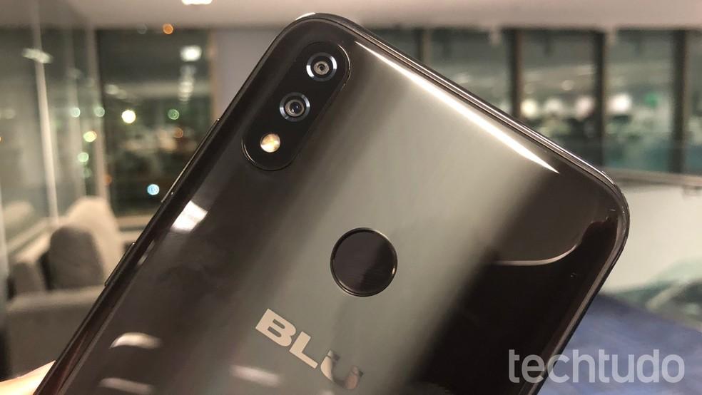 Blu Vivo XI Plus tem câmera dupla de 16 e 5 megapixels — Foto: Thássius Veloso / TechTudo