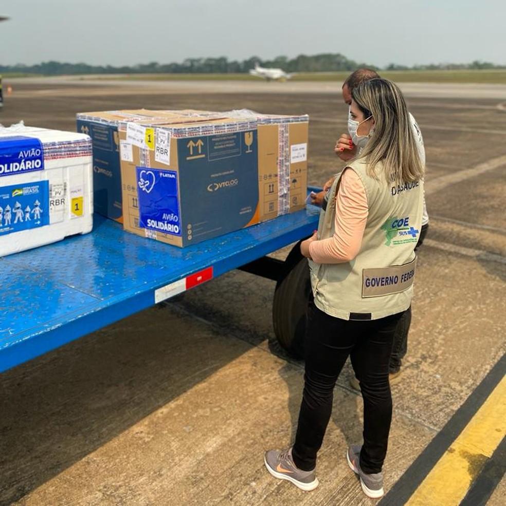 Doses chegaram ao Acre na tarde desta sexta-feira (24) e foram levadas para o PNI — Foto: Keila Maziero/Superintendência do Ministério da Saúde