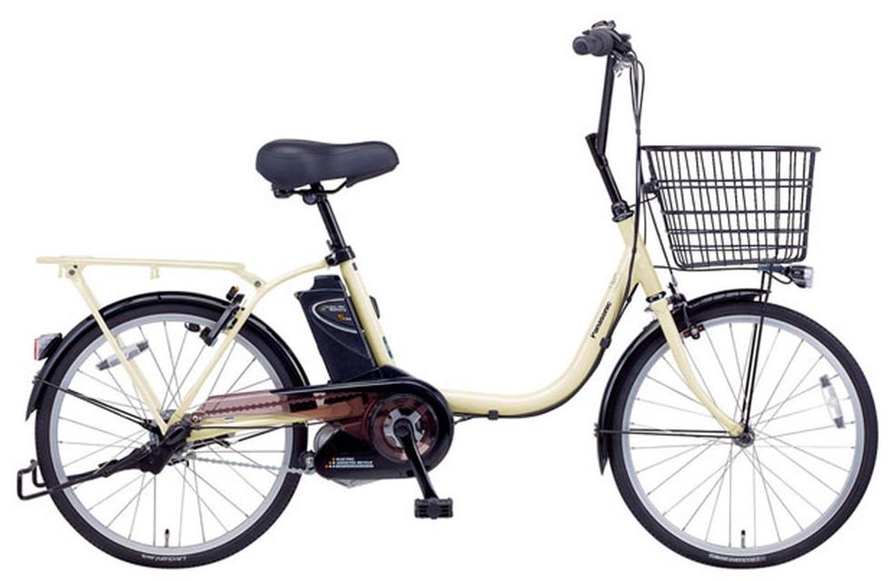 Bicicleta elétrica deve seguir regras de trânsito da comum, mas tem regras extras, como obrigatoriedade de usar capacete — Foto: Divulgação