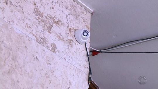 UFSM instala câmeras em prédio onde frases racistas foram pichadas em Santa Maria