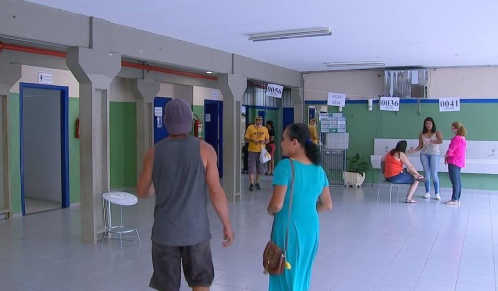 Votação foi tranquila durante o dia em Bofete  — Foto: TV TEM / Reprodução