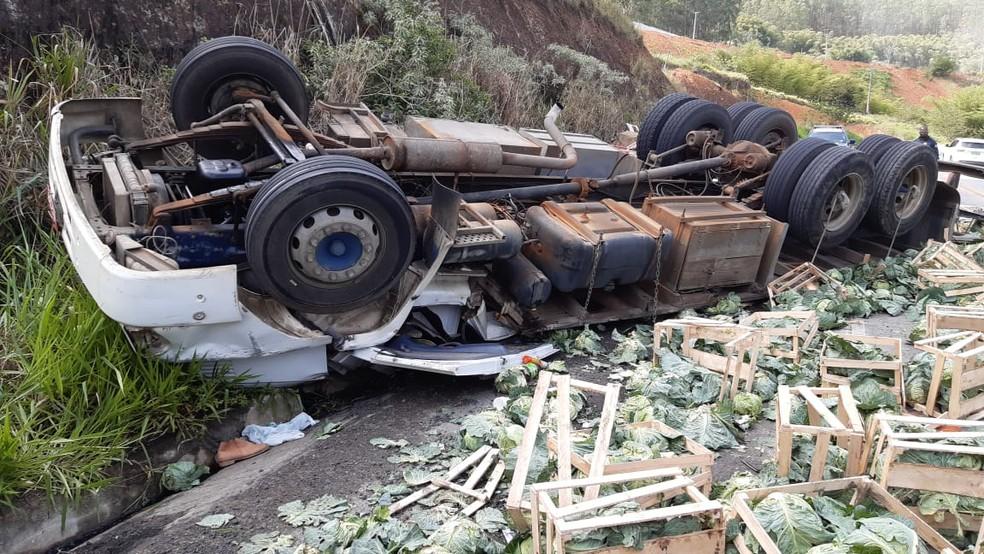 Acidente deixa dois mortos na BR-101, no sul da Bahia — Foto: Divulgação/PRF