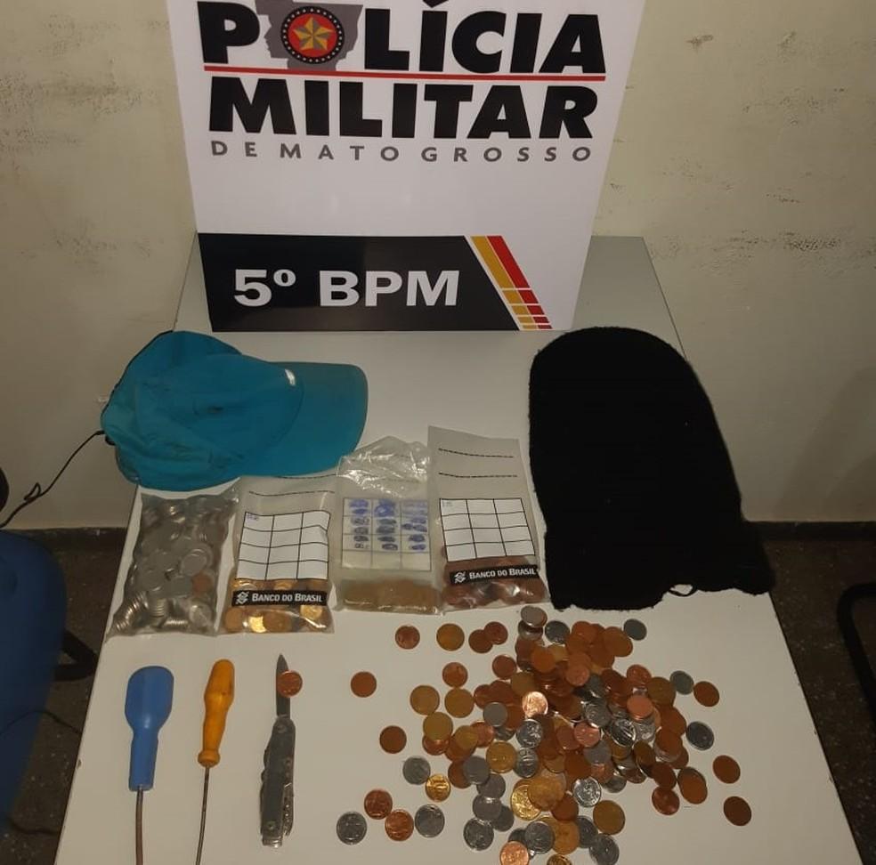 Materiais foram apreendidos com o suspeito — Foto: Polícia Militar - MT