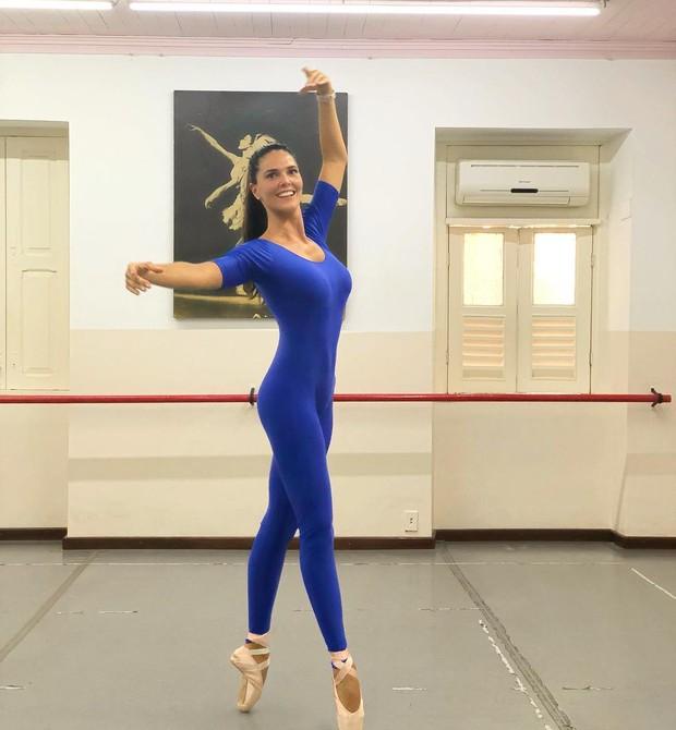 Daniella Sarahyba retoma as aulas de balé (Foto: Reprodução / Instagram)
