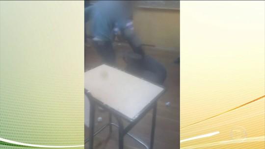 Caso de professor humilhado no RJ exemplifica naturalização da violência em sala de aula, diz especialista