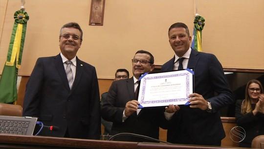 Washington recebe título de Cidadão Sergipano na Assembleia Legislativa de Sergipe
