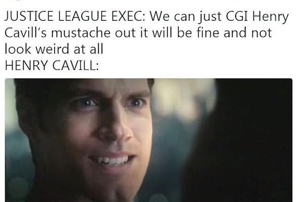 Uma fã ironizando o efeito que removeu o bigode de Superman (Henry Cavill) em Liga da Justiça (Foto: Twitter)