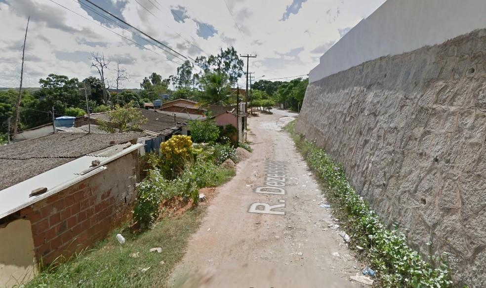 Crime ocorreu na Rua Dezessete, no bairro da Muribeca, em Jaboatão dos Guararapes — Foto: Reprodução/Google Street View