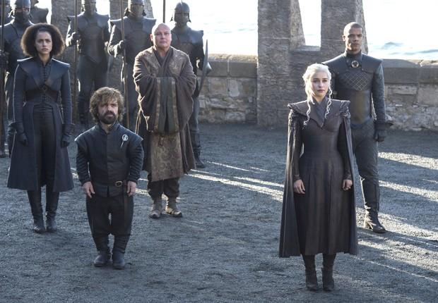 Daenerys Targaryen chega ao castelo de Dragonstone no capítulo de estreia da sétima temporada de Game of Thrones (Foto: Divulgação)