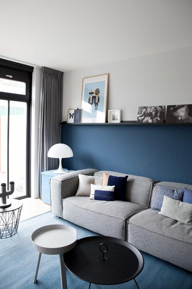 Décor do dia: sala de estar em tons de cinza e azul (Foto: Femkeido /Divulgação)