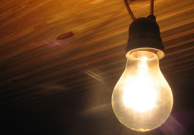 Lâmpada incandescente; energia elétrica; (Foto: Wikimedia Commons/Wikipedia)