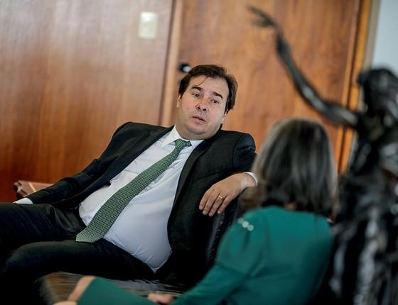 Maia bloqueou por dois dias o ministro Moreira Franco, padrasto de sua mulher, Patricia, no WhatsApp durante a votação  de denúncia contra Temer pela Câmara (Foto: Ueslei Marcelino/Reuters)