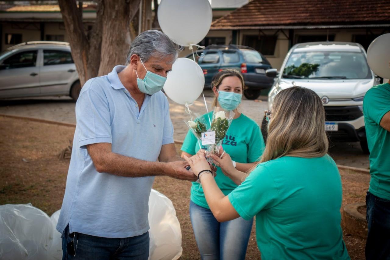 Covid-19: Pouso Alegre faz homenagem a profissionais de saúde após Pit Stop de repescagem para pessoas com 18 anos