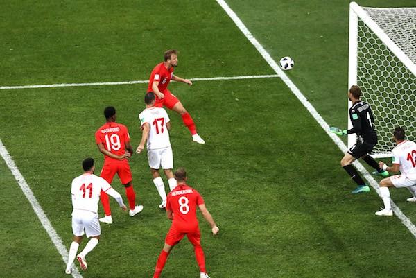O gol de Harry Kane que determinou a vitória da Inglaterra contra a Tunísia (Foto: Getty Images)
