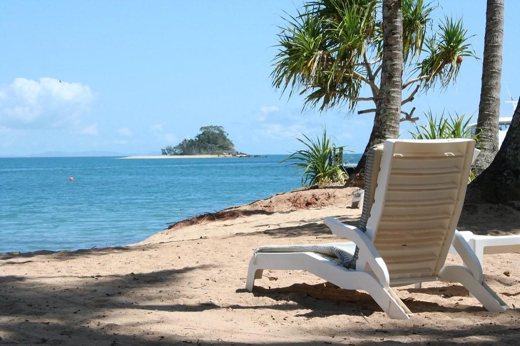 A ilha paradisíaca que foi à ruína e agora está à venda