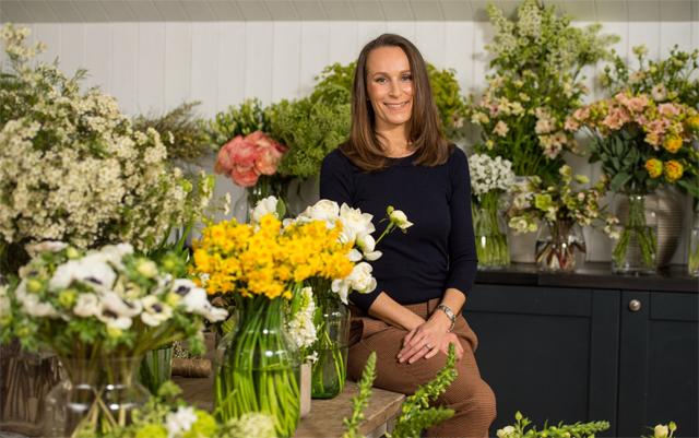 Philippa Craddock, florista responsável por decorar o casamento de Harry e Meghan (Foto: Divulgação)