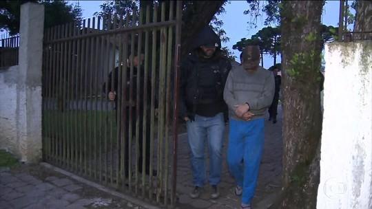 Ex-gerente do Banco do Brasil desviou dinheiro por dois anos, segundo a Polícia Civil; operação prendeu 5 pessoas