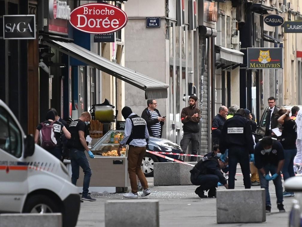 Explosão ocorreu em frente a padaria em rua no centro de Lyon, terceira maior cidade da França — Foto: Philippe Desmazes/AFP