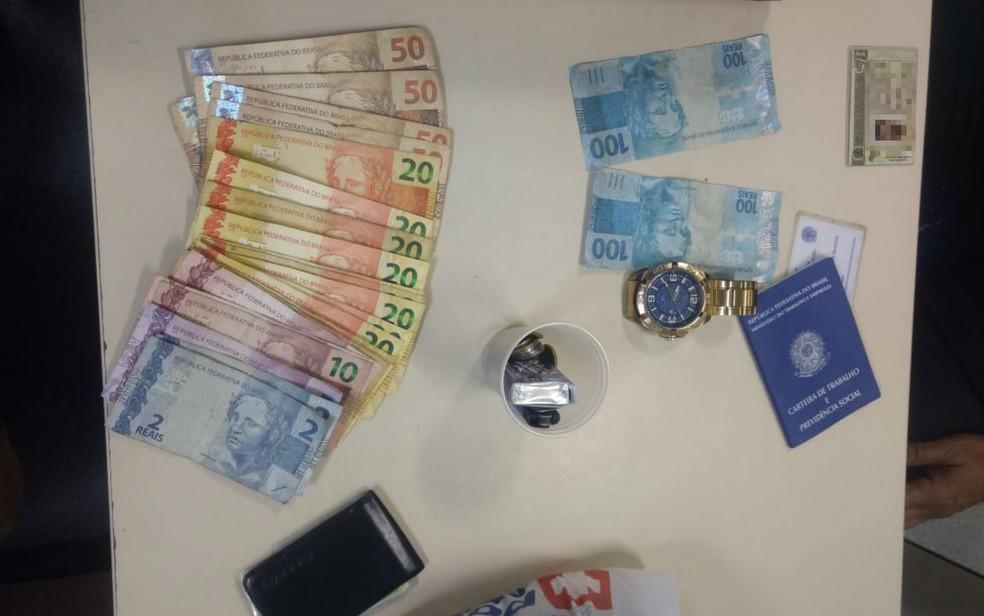 Material foi apreendido e levado para delegacia — Foto: Divulgação/Polícia Militar