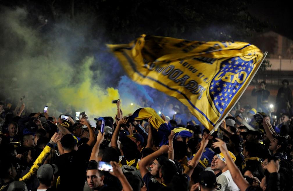 Torcida do Boca Juniors faz festa na partida do time rumo à final da Taça Libertadores na Espanha — Foto: REUTERS/Stringer