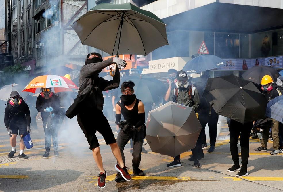 Manifestantes fazem novo ato em Hong Kong neste domingo (20) — Foto:  Reuters/Kim Kyung-Hoon
