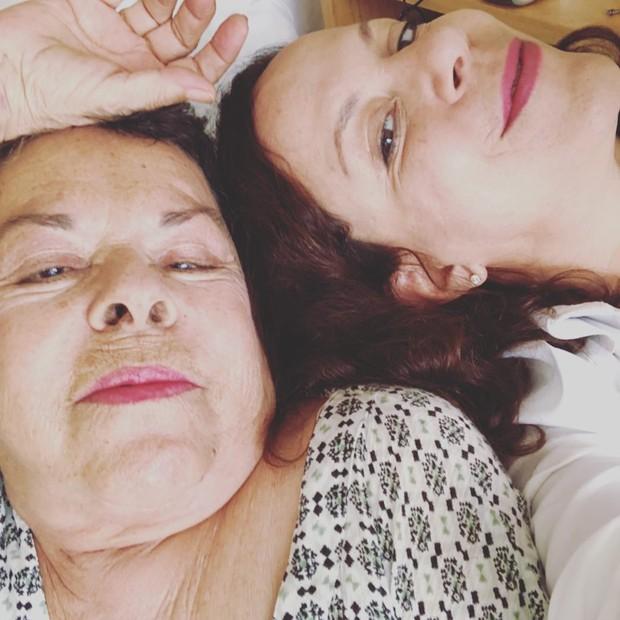 Miúcha e a filha, Bebel Gilberto, em foto recente (Foto: Reprodução/Instagram)