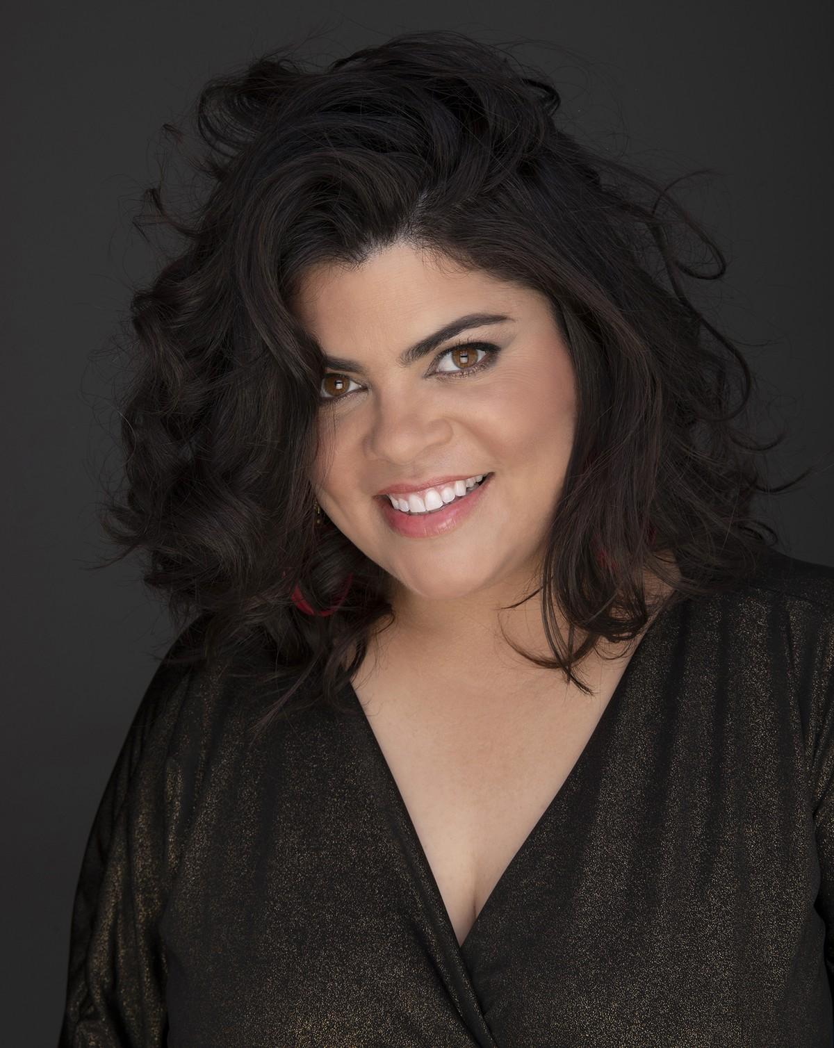 Canto vulcânico de Isabela Moraes fica à beira da erupção no álbum 'Estamos vivos'