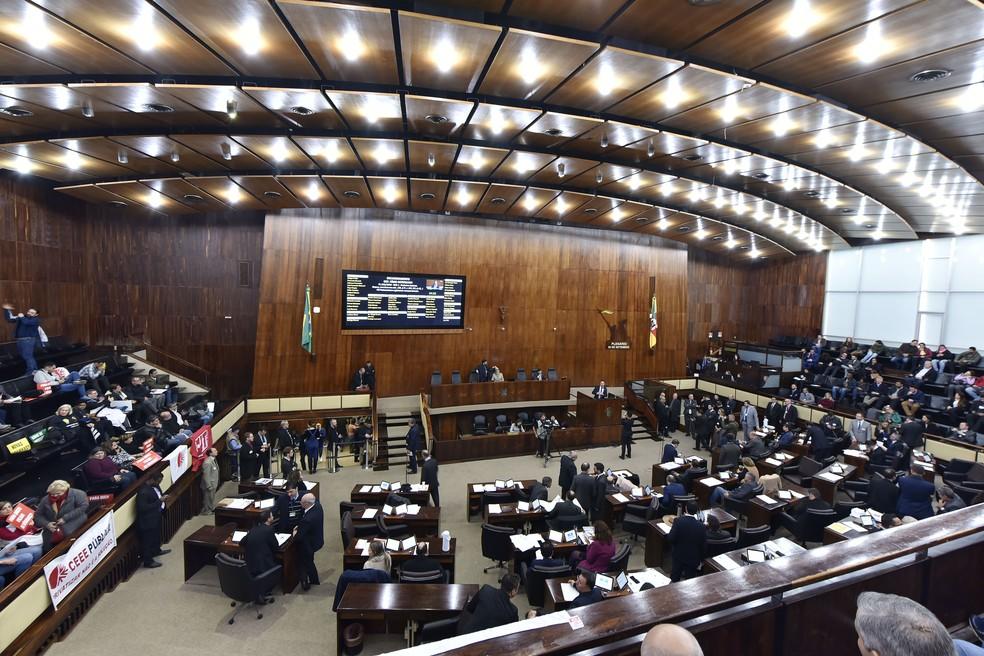 Sessão desta terça na Assembleia do RS — Foto: Guerreiro | Agência ALRS