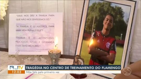 Sob o hino do Flamengo, corpo de Arthur Vinicius é sepultado em Volta Redonda