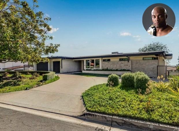 A mansão está à venda por 4,9 milhões de dólares (Foto: The MLS/ Reprodução)