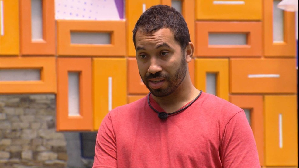 Gilberto sobre desentendimento com brother: 'Amanhã, no Paredão, eu vou falar' — Foto: Globo