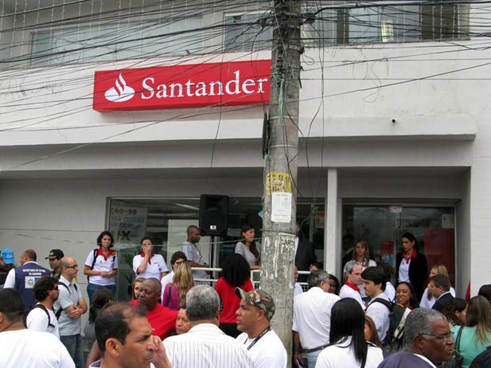 Santander é o único que lançou projeto-piloto para oferecer crédito consignado garantido pelo FGTS (Foto: Bernardo Tabak/G1)