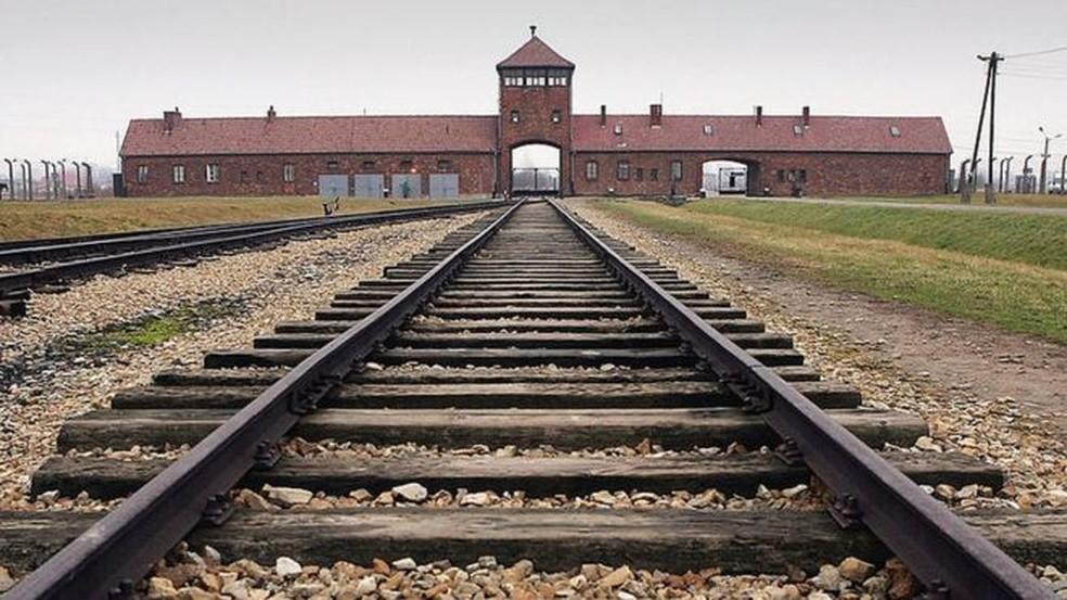Auschwitz foi um dos campos de extermínio construídos na Polônia — Foto: Getty Images via BBC