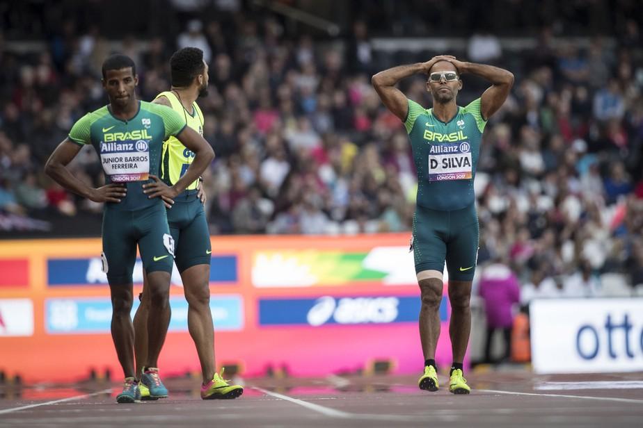 Brasileiros erram no revezamento, e país fica sem medalha na saideira do Mundial
