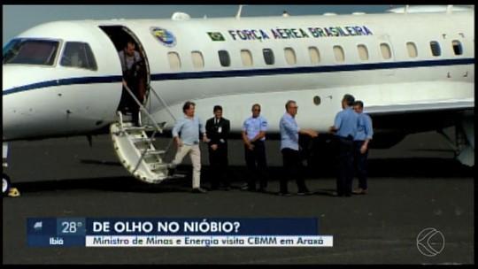 Ministro de Minas e Energia visita sede da CBMM em Araxá