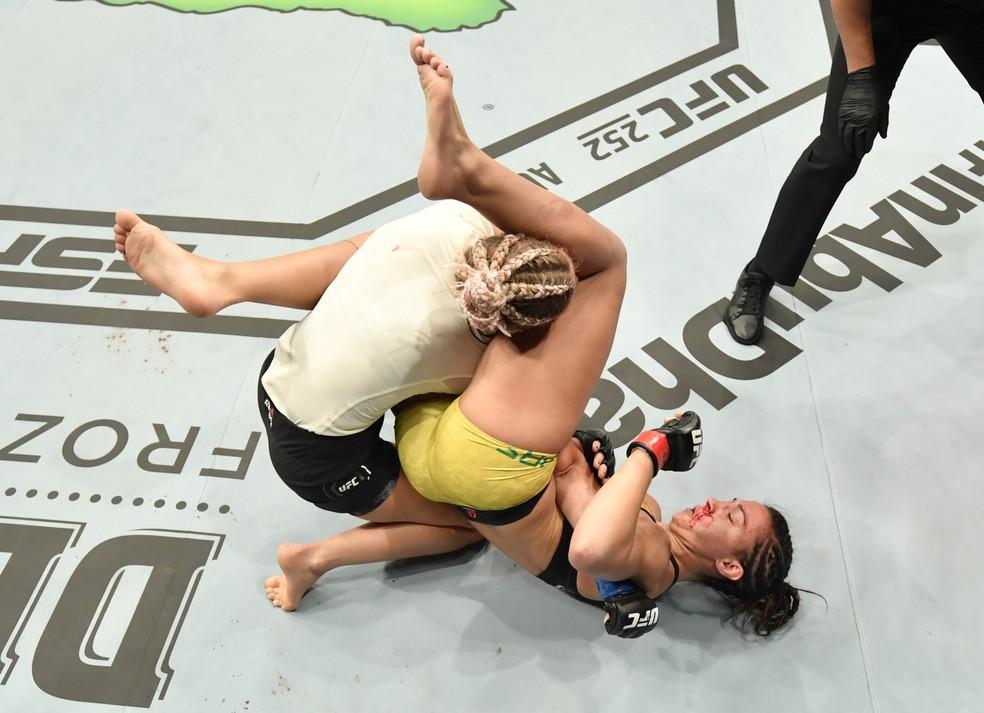 Amanda Ribas, Paige VanZant, UFC 251, MMA — Foto: Jeff Bottari/Zuffa LLC