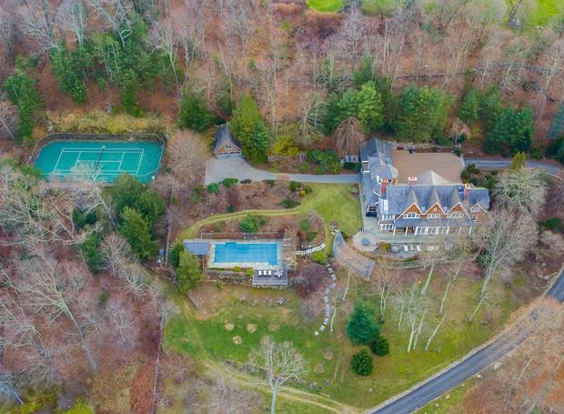 O terreno da mansão de Bruce Willis possui mais de 93 mil metros quadrados (Foto: The Wall Street Journal/ Reprodução)