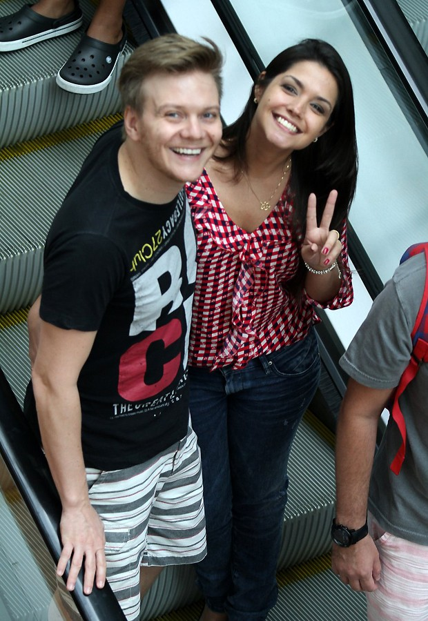 Michel Teló e Thais Fersoza (Foto: Photo Rio News)