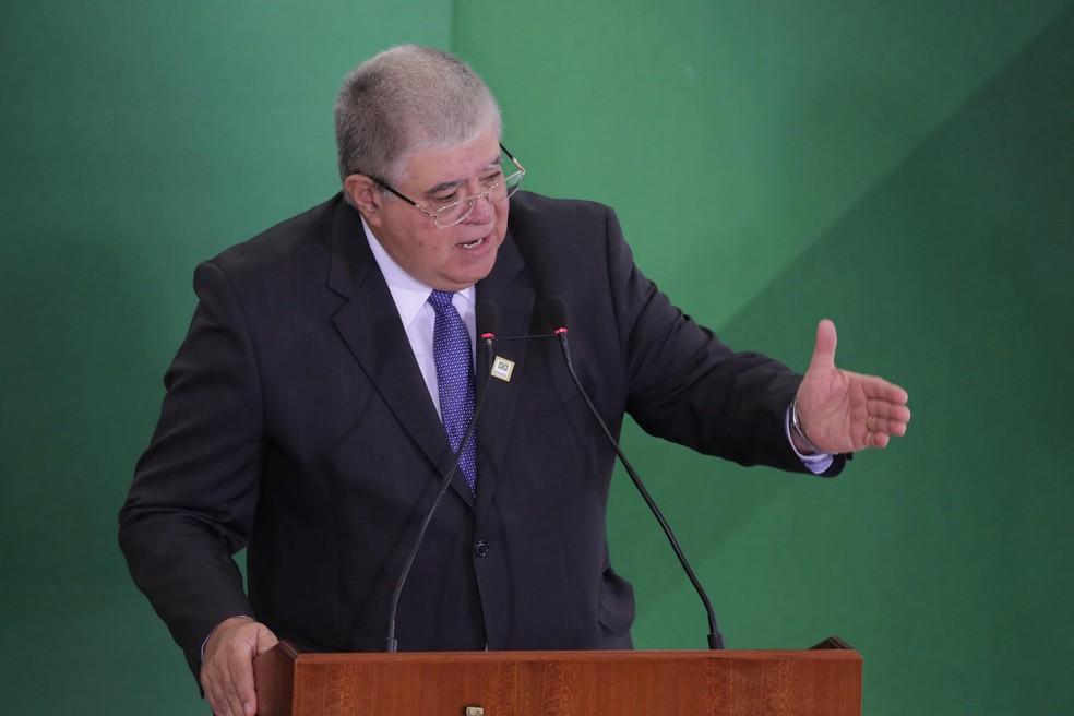 Carlos Marun durante cerimônia de transmissão de cargo de ministros no Palácio do Planalto, em Brasília, nesta quarta-feira (2) — Foto: Fátima Meira/Futura Press/Estadão Conteúdo