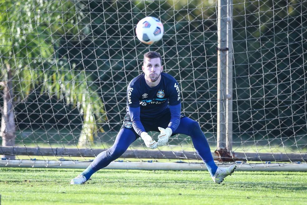 Paulo Victor em treino do Grêmio — Foto: Lucas Uebel/Grêmio